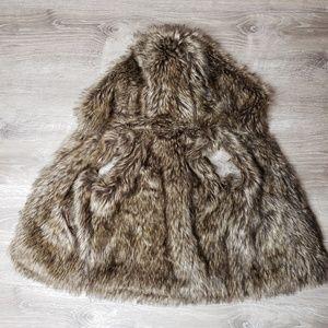 Urban republic faux fur hooded vest. Size 4t